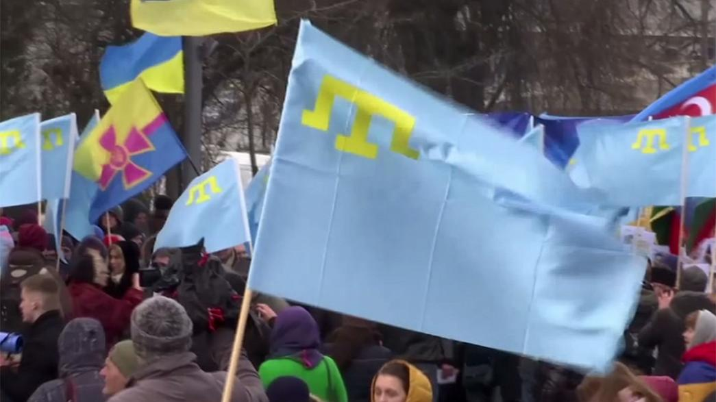 Manifestação em Kiev contra a anexação da Crimeia