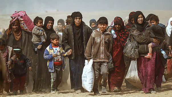 تقدم القوات العراقية غربي الموصل ونزوح لآلاف الأهالي منها