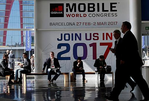 Barcelona phone home - World Mobile Congress opens