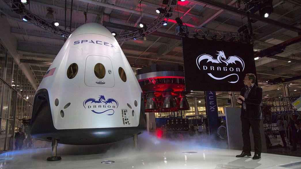 SpaceX quiere enviar a dos turistas en un viaje alrededor de la luna en 2018