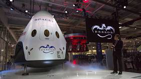 SpaceX to send first tourists around the moon