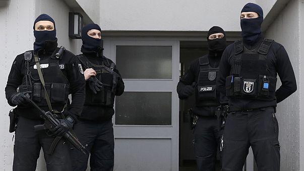 Берлин: власти закрыли молельный дом Fussilet 33, который посещал Анис Амри