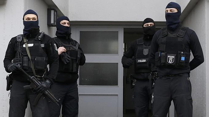 "Berlin ferme ""la mosquée de l'État islamique"""