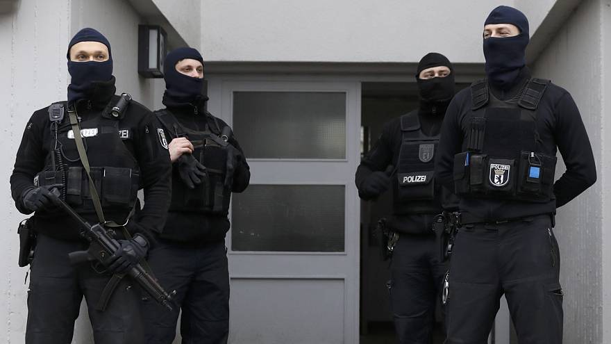 German police launch series of anti-terror raids linked to mosque