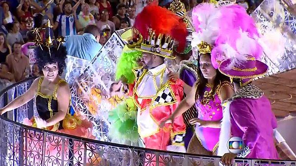 Quince heridos al caer una pasarela de una carroza en el carnaval de Río