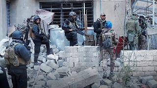 القوات العراقية تستعيد حي الجوسق والطيران والمأمون في الموصل