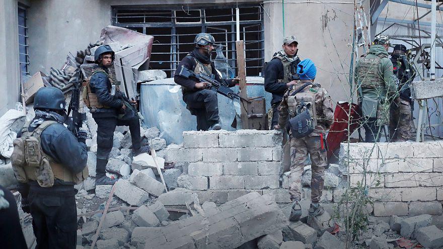 Musul'un batısında 700 bin sivil kuşatma altında