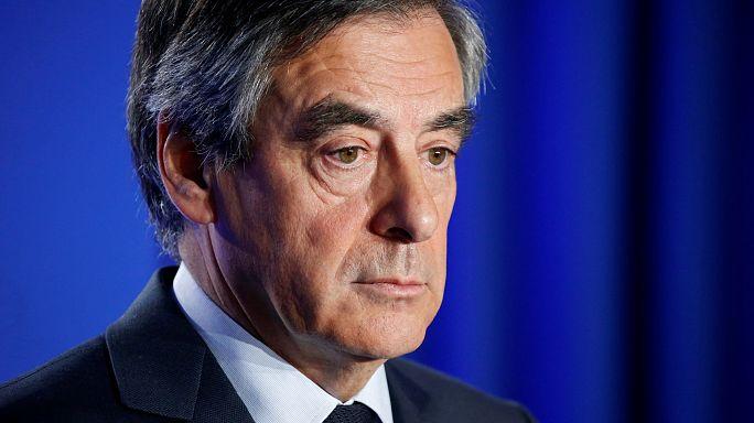 Fillont beidézte az ügyészség, de nem lép vissza a francia konzervatív elnökjelölt
