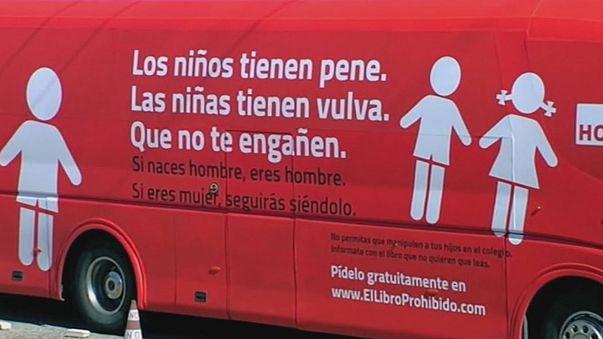 España: la justicia ordena inmovilizar el bus contra la transexualidad