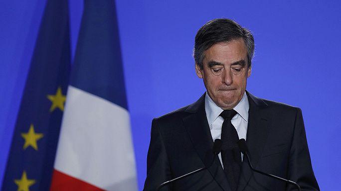 Fillon pierde apoyos tras anunciar su intención de seguir en la carrera por la presidencia francesa