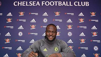 Victor Moses signs two-year Chelsea contract extension