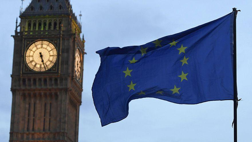"""Gran Bretagna, i Lords rallentano la Brexit. Passa emendamento: """"Garanzie per i cittadini comunitari"""""""