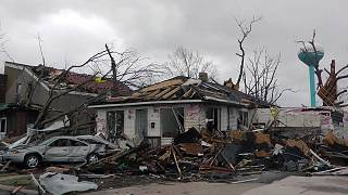 Deadly tornadoes rip through US Midwest