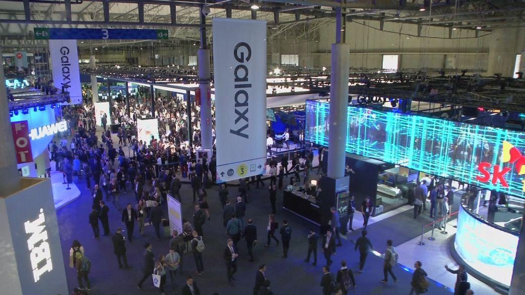 حضور نسل پنجم شبکه تلفن همراه نمایشگاه گوشی همراه در نمایشگاه بارسلون