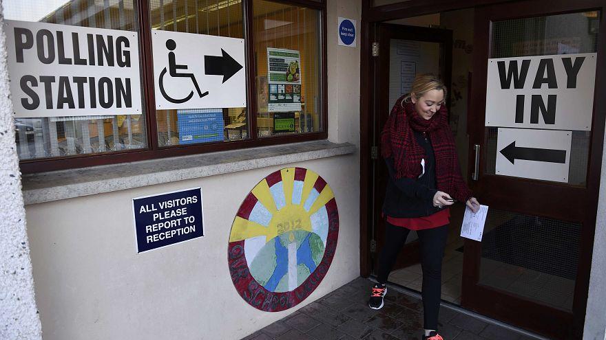 Irlanda del Norte vota tras el colapso de su Gobierno