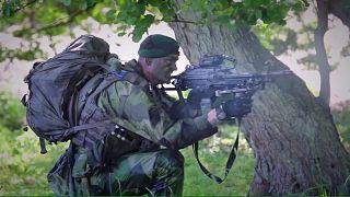 Face aux menaces sécuritaires, la Suède rétablit le service militaire