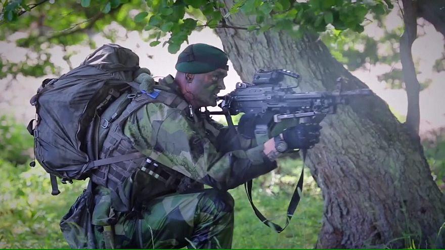 Suécia restabelece serviço militar obrigatório