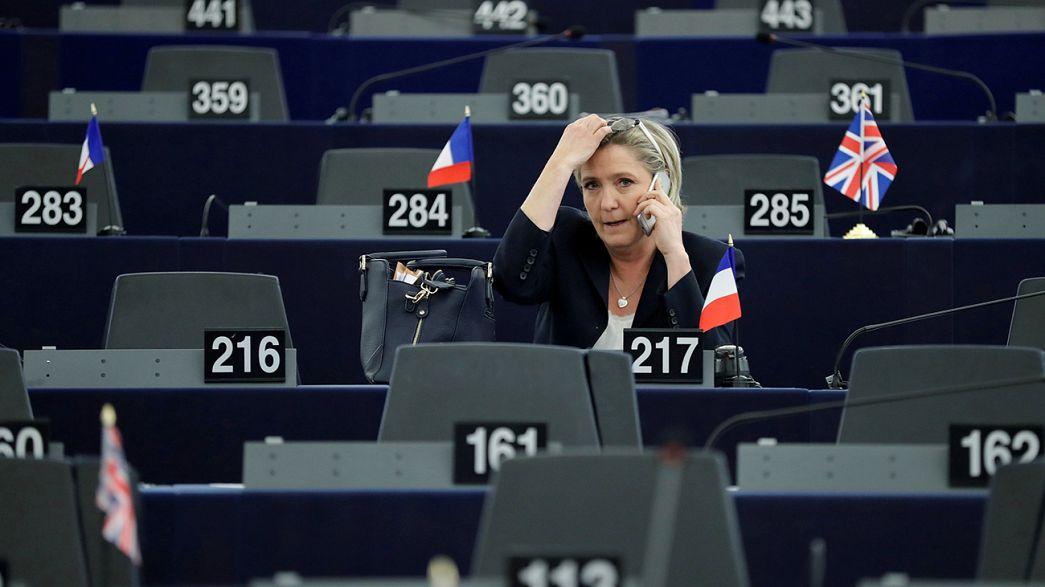 Brief from Brussels: Το Ευρωκοινοβούλιο αποφάσισε την άρση της ασυλίας της Μαρίν Λεπέν