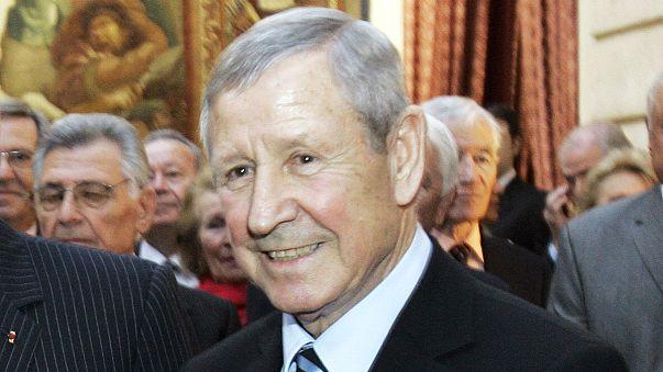 Le footballeur français Raymond Kopa, ballon d'or 1958, est mort
