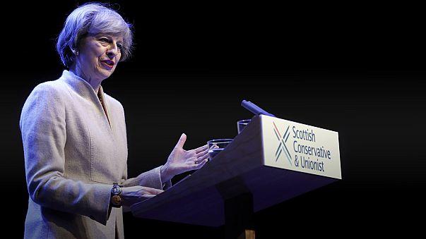 In Scozia la premier britannica May torna a decantare la Brexit