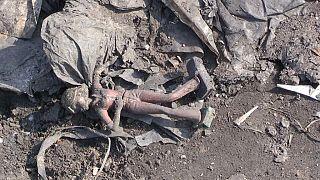 Les secours recherchent un garçon dans un puits de mine en Afrique du Sud [no comment]
