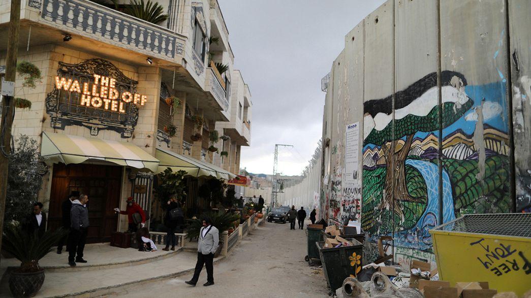 """In Bethlehem: Banksy eröffnet Hotel mit """"schlimmster Aussicht der Welt"""""""