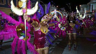 Début des célébrations du carnaval de Mindelo au Cap-Vert [no comment]