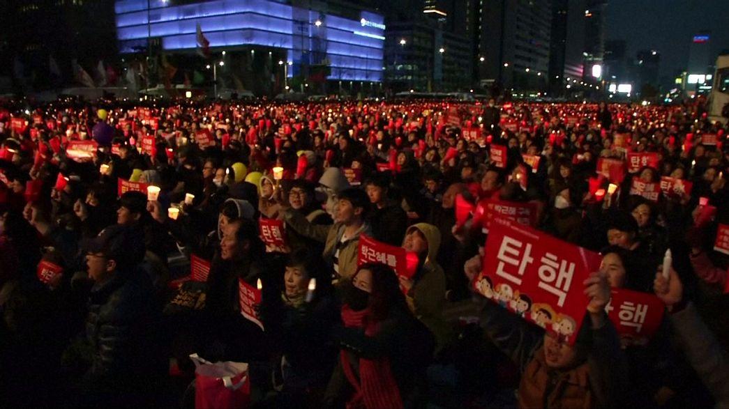 Coreia do Sul mobilizada contra a Presidente aguarda decisão sobre a destituição de Park Geun-hye