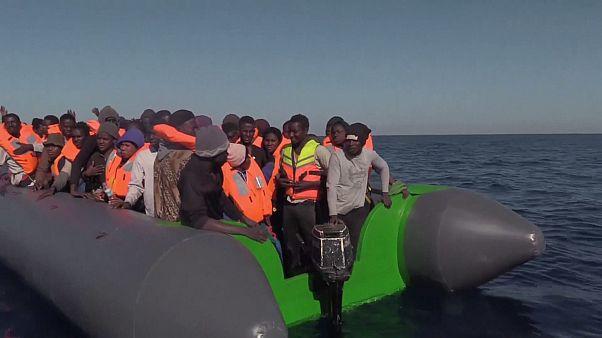 ONG espanhola resgata 250 migrantes no Mediterrâneo