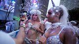 Schwul-lesbischer Karneval zieht Tausende in Sydneys Innenstadt.