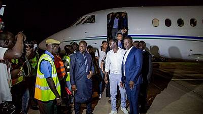Akon in the Gambia to promote youth empowerment and lighting project