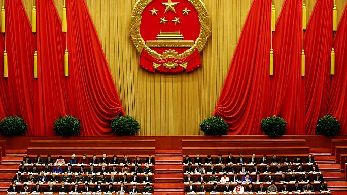 China cuts its growth target to 6.5% for 2017