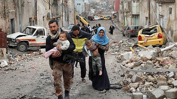 """نزوح 200 ألف مدني من الموصل منذ بداية العملية العسكرية لإخراج """"الدولة الإسلامية"""" منها"""