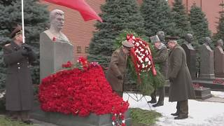 Mosca: cerimonia per l'anniversario della morte di Stalin