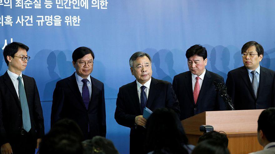 Dagad a korrupciós botrány Dél-Koreában