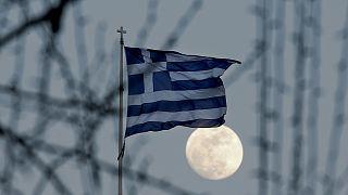 Ελλάδα: Βαθύτερη η ύφεση στο δ' τρίμηνο του 2016