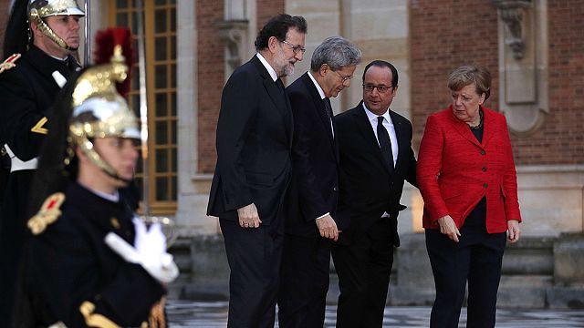 La conferenza stampa dopo il mini vertice europeo di Versailles