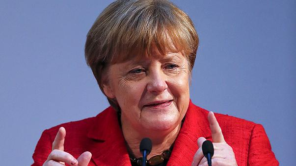 Merkel nem tűri, ha lenácizzák