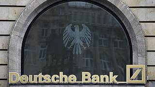 Zuhant a Deutsche Bank-papírok árfolyama
