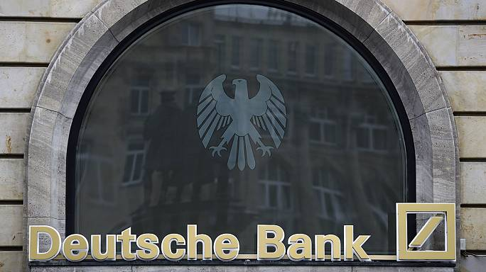 Deutsche Bank seeking eight billion euros from new share sale