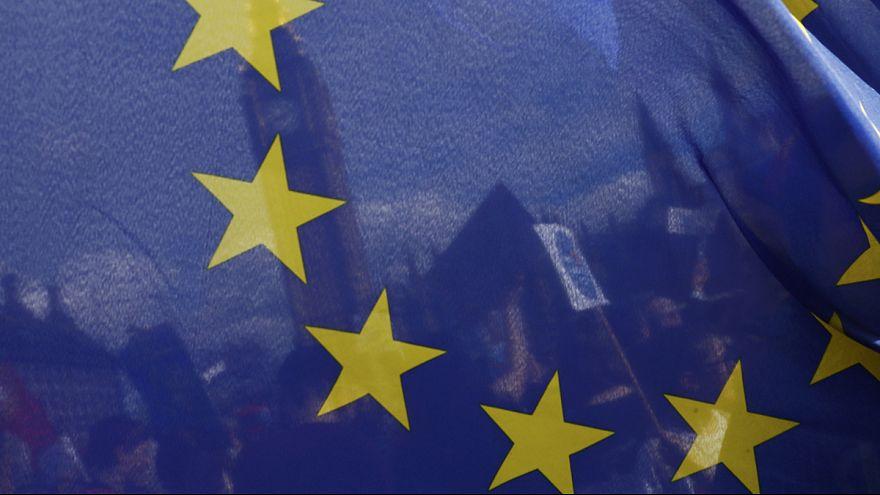 В Версале зарождали новый ЕС, а Брюсселе - его армию
