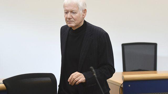 5 Jahre nach der Pleite: Hatte Anton Schlecker 20 Millionen Euro beiseite geschafft?