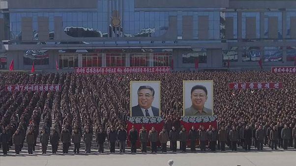 Β. Κορέα: Στο όνομα του καθεστώτος