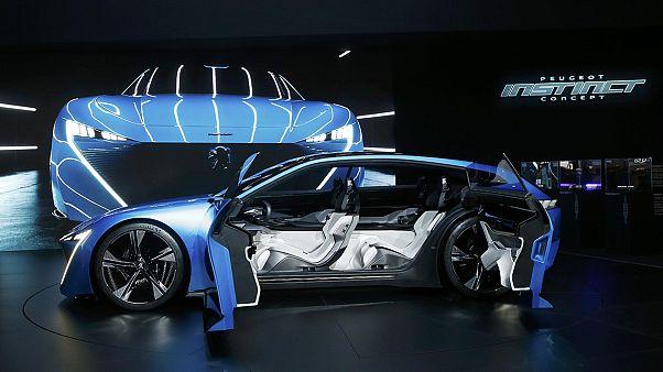 Peugeot y Volkswagen visualizan su nueva rivalidad europea en el salón de Ginebra