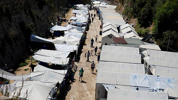 دیدار شهرداران جزایر یونانیِ پذیرای پناهجویان با کمیسر مهاجرت اروپا