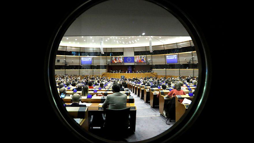 Dos activistas luchan contra el predominio masculino en los eventos en Bruselas