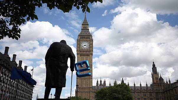 """Велика Британія: лорди поставили перешкоду Терезі Мей на шляху до """"Брекзиту"""""""