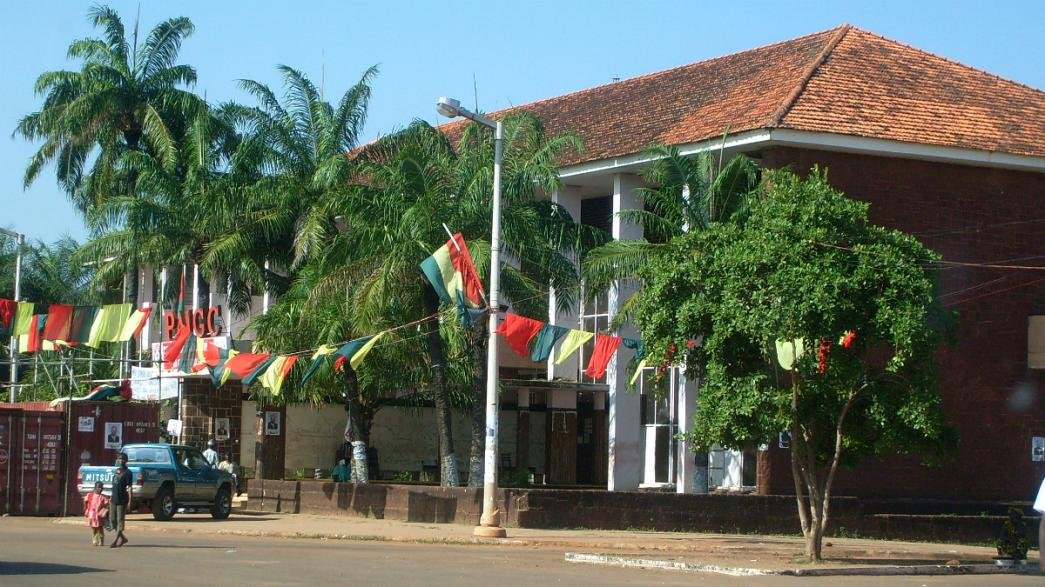 CPLP: União Europeia e Angola preocupadas com Guiné-Bissau