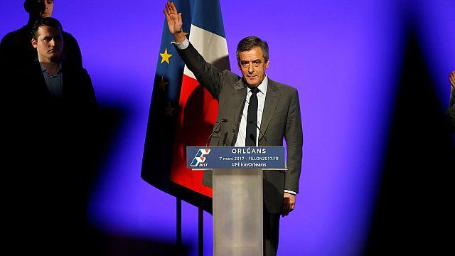 França: Fillon apela à unidade apesar de nova polémica