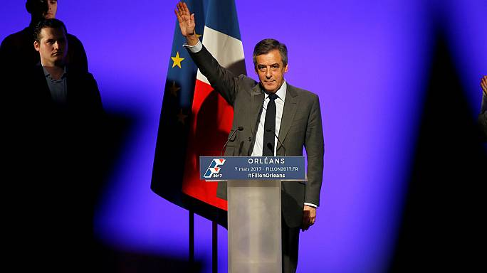 "Francois Fillon tells supporters to ""ignore"" fresh media attacks"